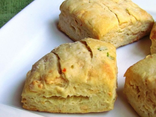 Vegan cheese biscuits