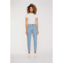 Nora Jeans Light Retro Model Front