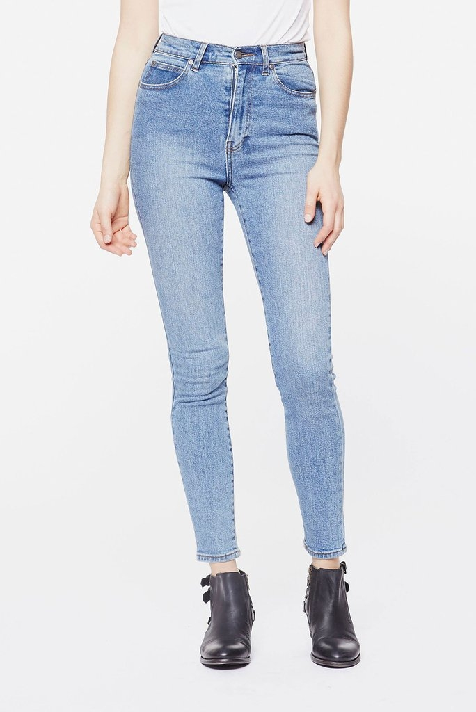 Zoe Jeans Light Stone Front